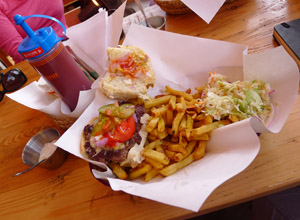 Cheeseburger & Fries - Rwf 2,200