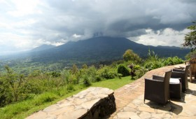After a friend of mine stayed at Gahinga Lodge just over the border in Uganda, my attention had been drawn to the Volcanoes (Safaris) group […]